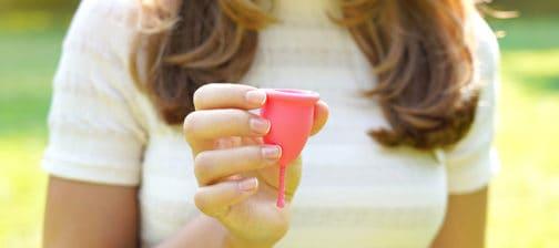 дамска менструална чашка